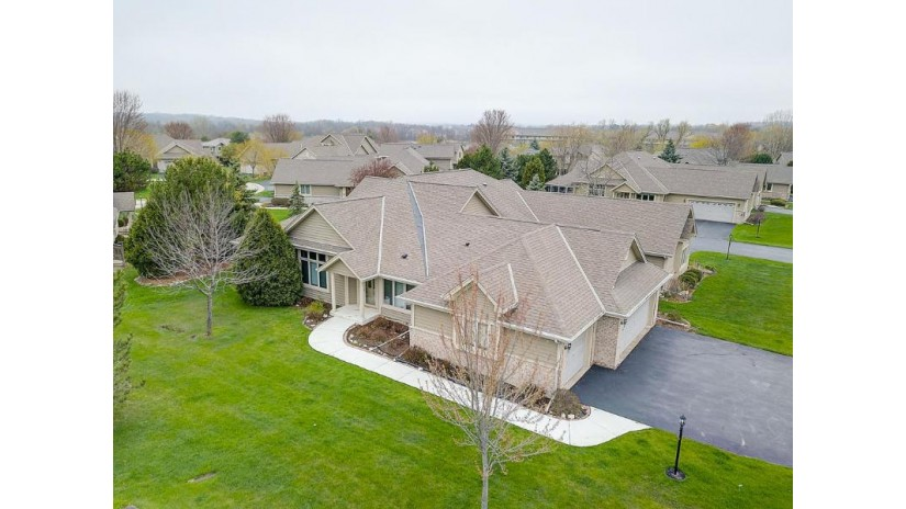W240N2365 E Parkway Meadow Cir A Pewaukee, WI 53072-5866 by RE/MAX Realty 100 $359,900