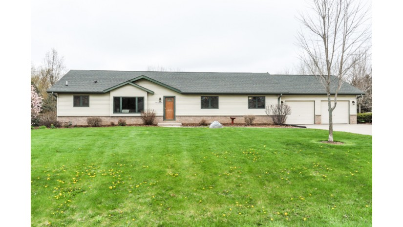 N67W28348 Meissner St Merton, WI 53029-9680 by Shorewest Realtors $339,000