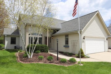N18W6832 Partridge Ct, Cedarburg, WI 53012-2633
