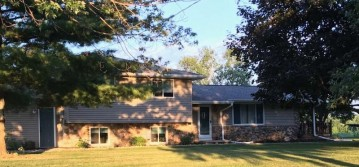 N9186 Sunset Road, Maine, WI 54170
