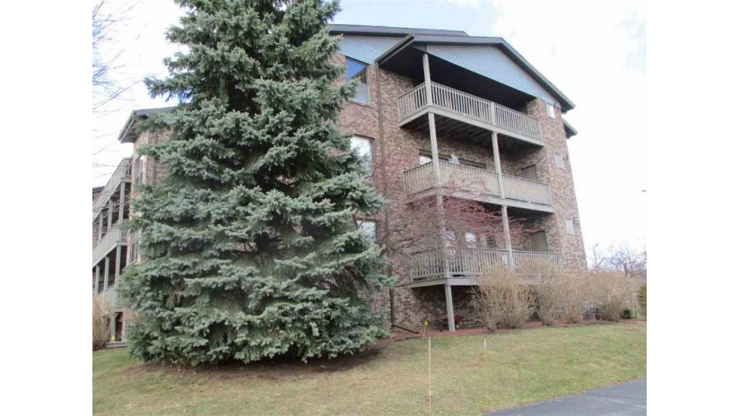 300-31 W St Joseph Street Allouez, WI 54301-2374 by Mark D Olejniczak Realty, Inc. $179,900