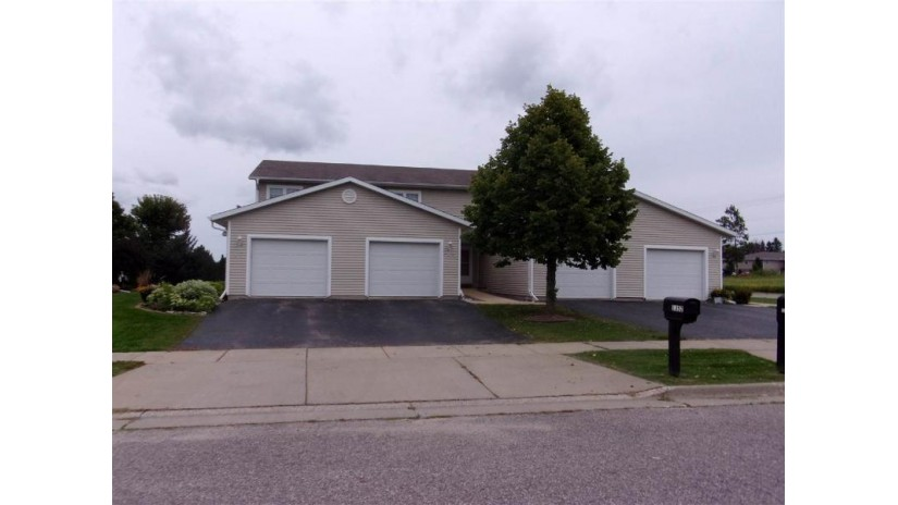 1352 Silver Dr 22 Baraboo, WI 53913 by First Weber Inc $129,900