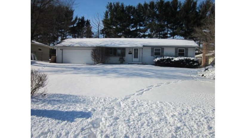 839 Somerset Dr Janesville, WI 53546 by Century 21 Affiliated $129,900