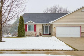 4646 Meadowlark Dr, Windsor, WI 53571