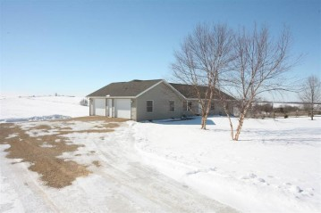 2657 Clay Hollow Rd, Paris, WI 53807