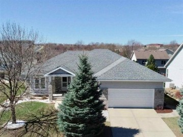622 Highcliff Tr, Madison, WI 53718