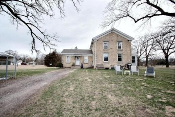 117 Highway D, Dousman, WI 53118-8737
