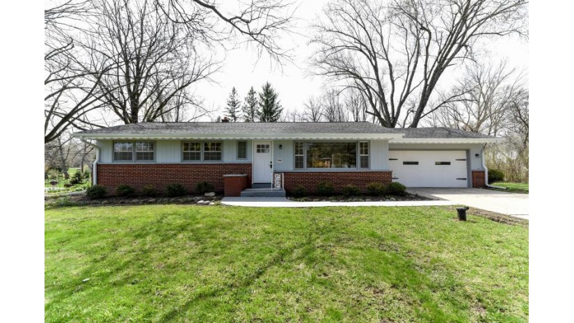 15965 Brookhill Dr Brookfield, WI 53005-2258 by RE/MAX Realty 100 $359,900