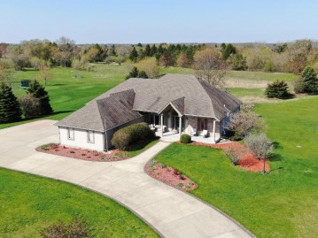 W349S8153 N Whitetail Dr, Eagle, WI 53119