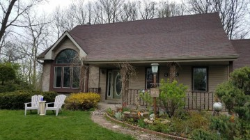 30412 Mountain Ln, Waterford, WI 53185-3430