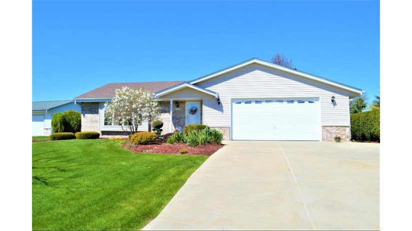 10731 S Richard Rd Oak Creek, WI 53154-7955 by Realty Executives Integrity~Brookfield $289,900