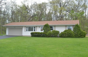 4235 Waterford Dr, Waterford, WI 53185-3941