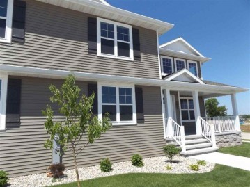 316 Red Cedar Parkway, Kimberly, WI 54136-3305