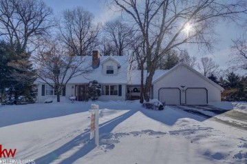 N4258 Hickory Dr, Elba, WI 53925