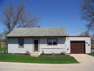 W2924 Mill St, Jefferson, WI 53550