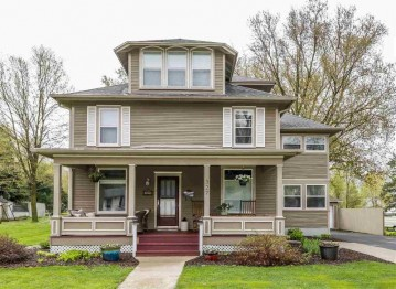 327 W Liberty St, Evansville, WI 53536