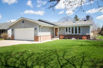 4446 S 68th St, Greenfield, WI 53220-3430