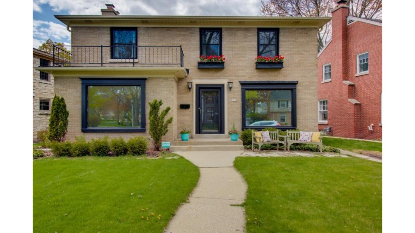 5519 N Hollywood Ave Whitefish Bay, WI 53217-5207 by First Weber Inc -NPW $699,900