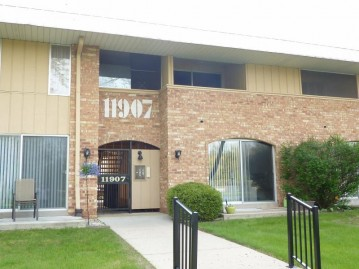 11907 W Appleton Ave 19, Milwaukee, WI 53224-4950