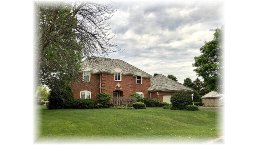 14 Applewood Ct Wind Point, WI 53402-5315 by Coldwell Banker Realty -Racine/Kenosha Office $448,000