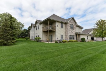 2210 Seminole St, Grafton, WI 53024-9342