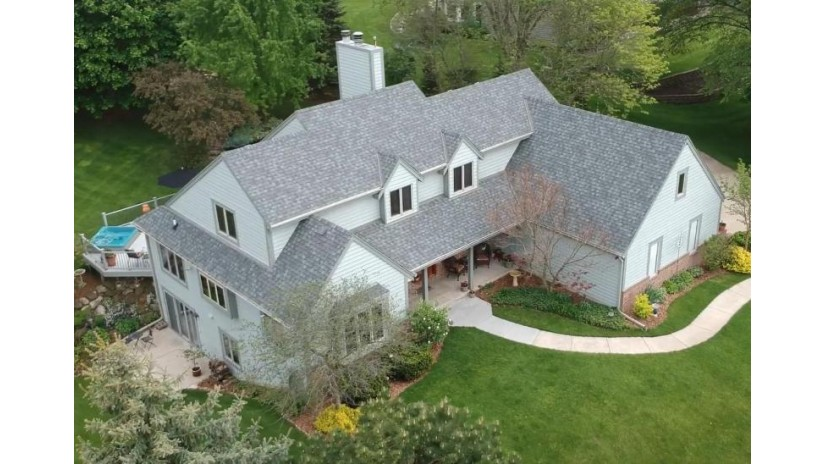 W237S4582 Big Bend Rd Waukesha, WI 53189-7965 by Lake Country Home Realty LLC $499,900