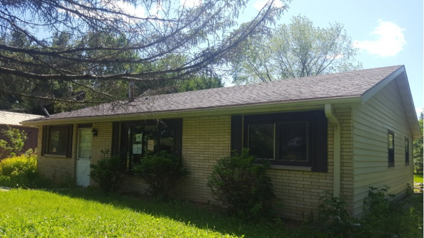 1950 Heritage Rd Rochester, WI 53105-9610 by Shorewest Realtors $164,000