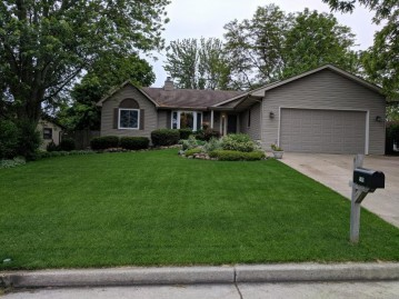 595 11th Ave, Union Grove, WI 53182