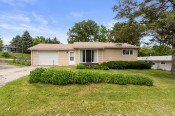 1028 Indian Point Rd, Twin Lakes, WI 53181-9773