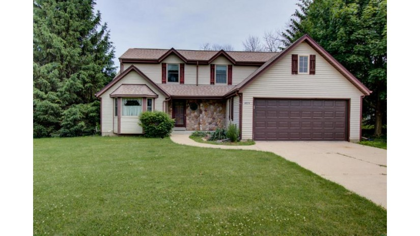 4224 S 124th St Greenfield, WI 53228-1836 by RE/MAX Realty 100 $249,900