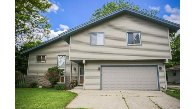 5735 S 42nd St Greenfield, WI 53221 by Harris Realty Group $264,900