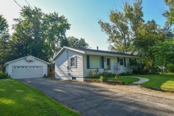 307 Front St, Watertown, WI 53094-5203