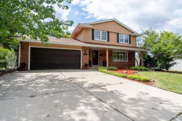 4737 Sycamore St, Greendale, WI 53129-2925