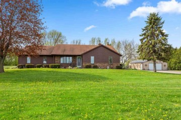 3749 FAIRVIEW Road, Clayton, WI 54956-9338