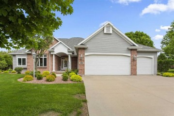3824 COBBLE CREEK Drive, Grand Chute, WI 54913