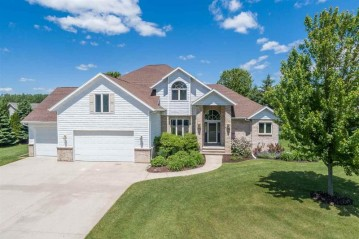 1326 W STARVIEW Drive, Grand Chute, WI 54913-6868