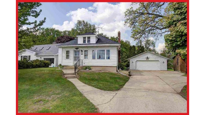 W7920 County Road B Lake Mills, WI 53551-9753 by Re/Max Community Realty $325,000