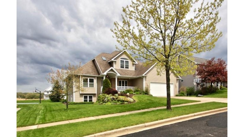 440 Dunhill Dr Verona, WI 53593 by First Weber Inc $449,000