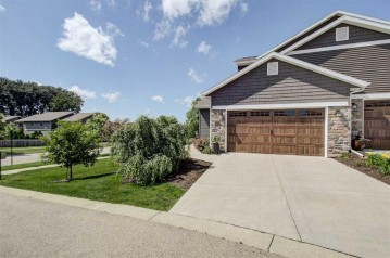 4250 Cortland Ct, Windsor, WI 53598