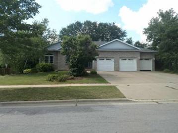 6122 Cottontail Tr, Madison, WI 53718