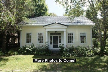420 Front St, Mineral Point, WI 53565