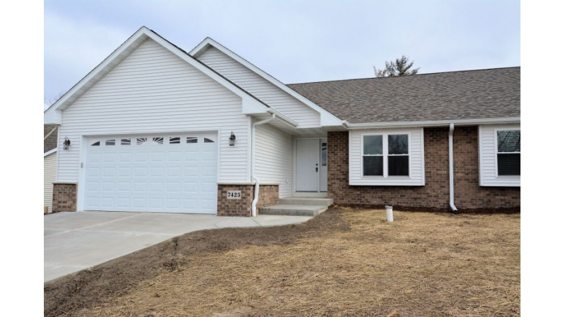 7316 Woodland Ct Burlington, WI 53105 by Shorewest Realtors $259,900