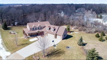 5633 Woodcrest Dr, Addison, WI 53027