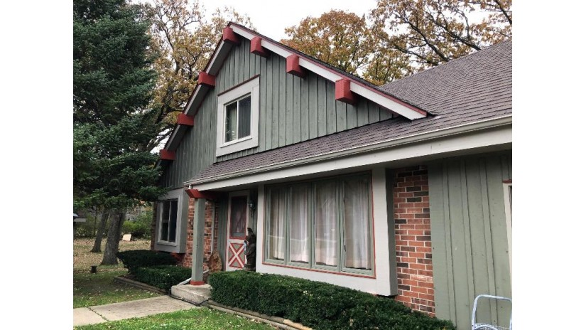 W596 Hillcrest Dr Bloomfield, WI 53128 by Keefe Real Estate, Inc. $299,900