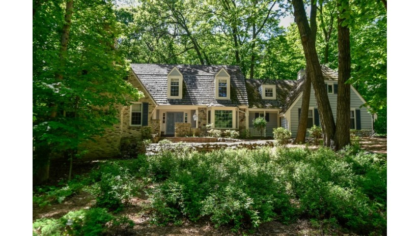 13605 Braemar Dr Elm Grove, WI 53122-2511 by Shorewest Realtors $699,900