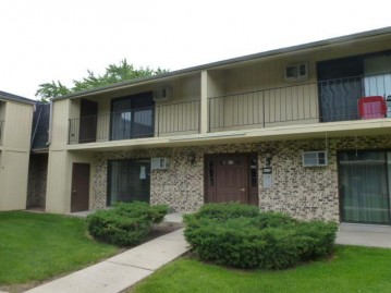 1652 S 115th St D3, West Allis, WI 53214