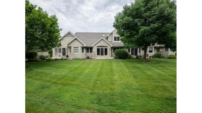N21W24191 Dorchester Dr B Pewaukee, WI 53072-4695 by Redefined Realty Advisors LLC $217,500