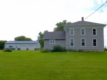 N1369 County Road C, Sharon, WI 53585-9759