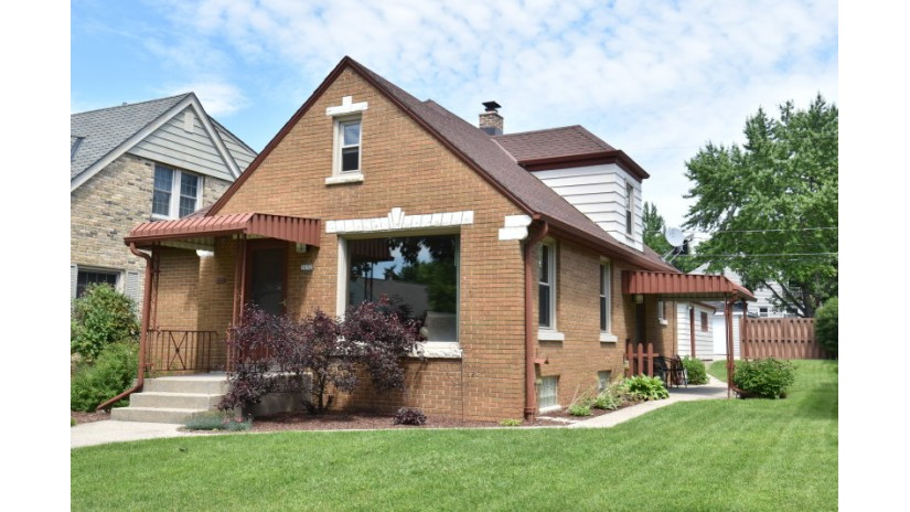 3152 S 29th St Milwaukee, WI 53215-4310 by Shorewest Realtors $169,900