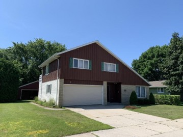 2315 37th St, Two Rivers, WI 54241-1412